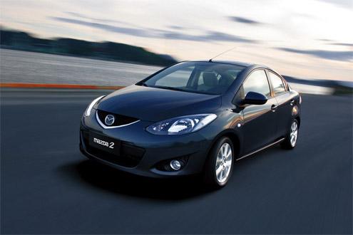 Mazda 2 седан